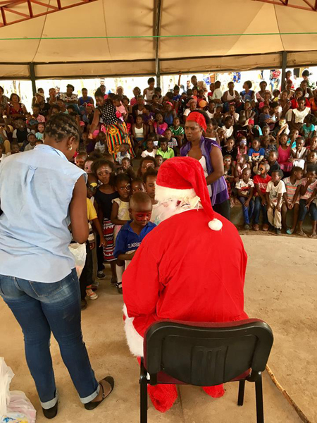 santa-clause-in-africa