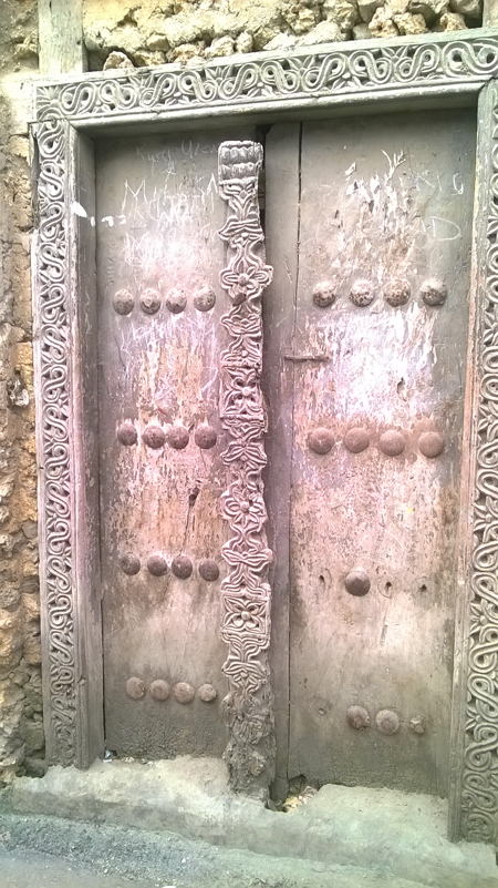 carved-doors-znz