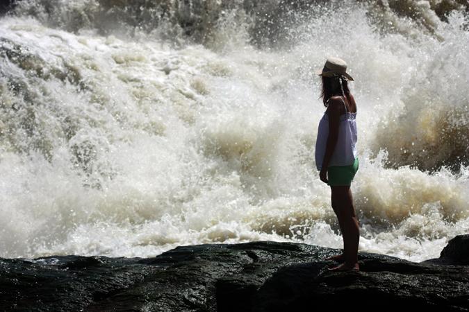 waterfall-all-female-safari