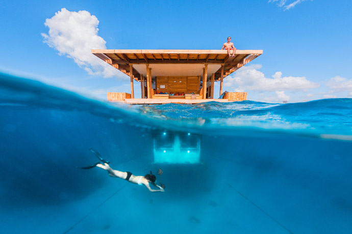 Manta-Resort-room-underwater