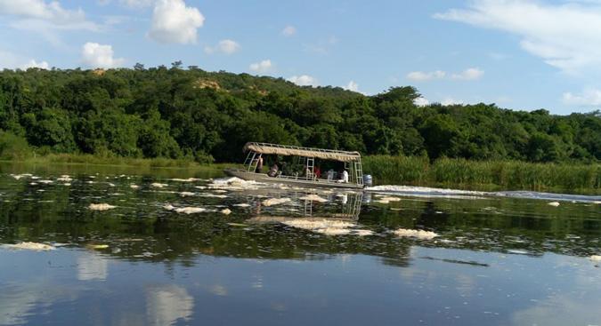 4x4 Uganda, Masindi, boat cruise