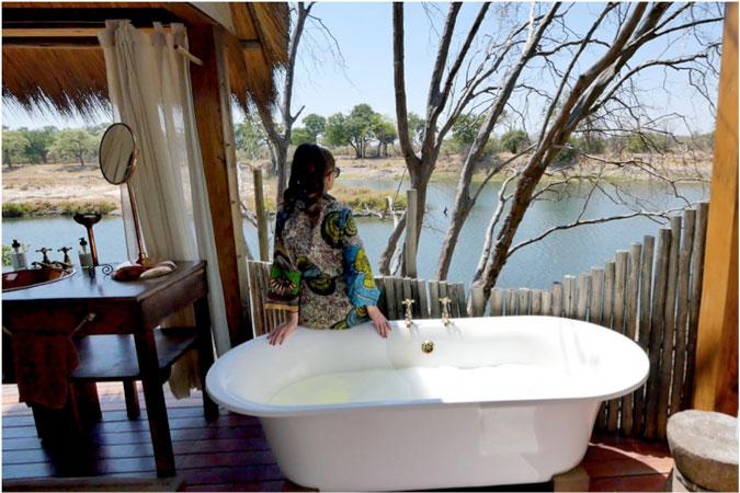 sindabezi-island-bath-view, Zambezi River