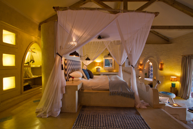 four-poster bed, Tongabezi Lodge, Zambia