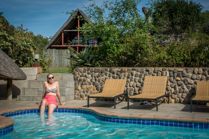 pool, suntanning, lodge, safari, South Africa
