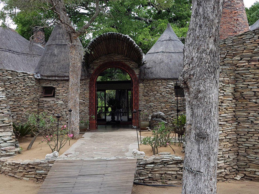 Tintswalo Safari Lodge, Manyeleti, Greater Kruger with Africa Geographic