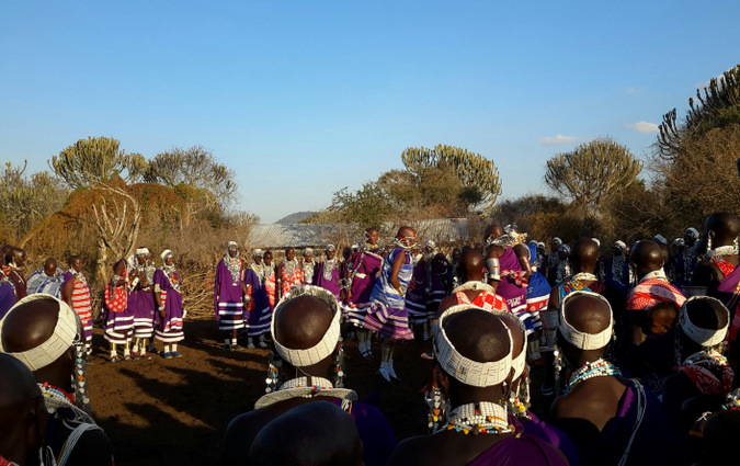 Maasai women dancing