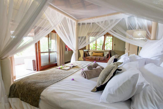 Bedroom at Kambaku in Timbavati Game Reserve