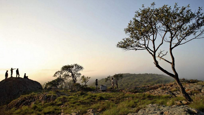 People looking at the view in Phinda Game Reserve