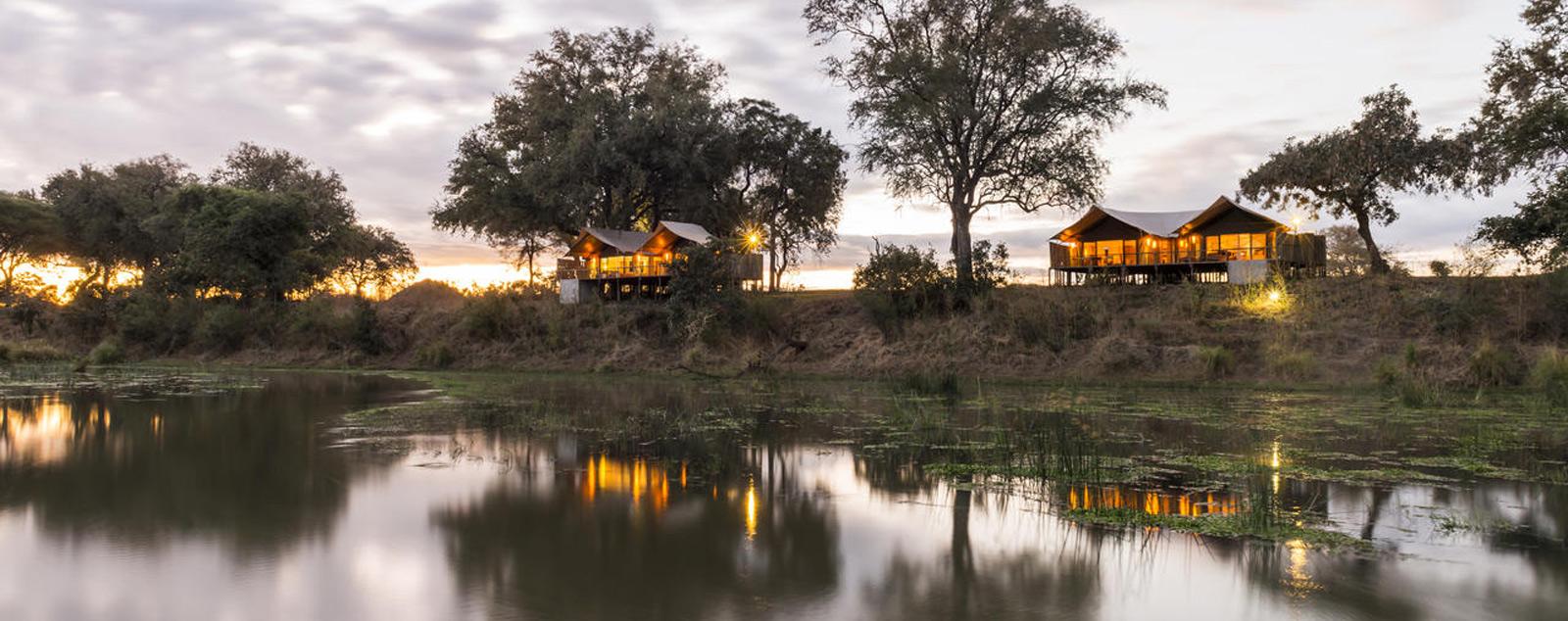 Guest tents along the lower Zambezi River © Anabezi Luxury Tented Camp