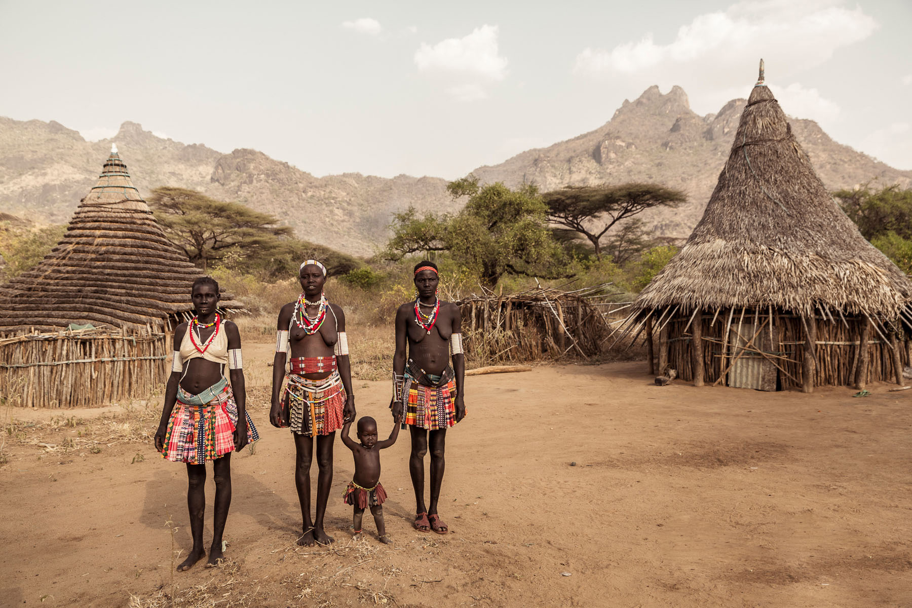 The Boya live in small settlements, with the main town being Kimatong © Joe Buergi